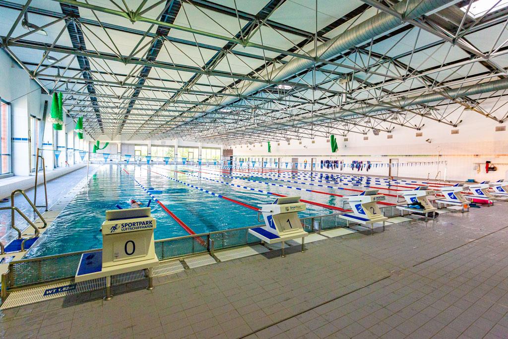 Schwimmhalle Luftschiffhafen
